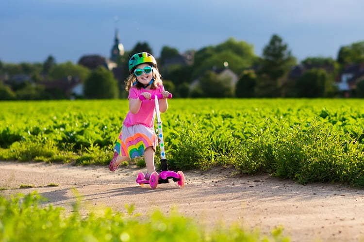 Best Scooters For Toddlers 2021   KidsDimension