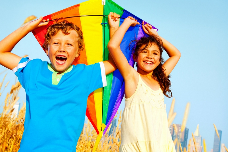 Cool Kites For Kids - 10 Best Kites For Kids For Great Outdoor Fun!